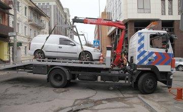 Днепровские инспекторы по парковке рассказали об алгоритме эвакуации машин