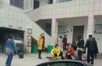 В Китае школьники погибли в давке у туалета