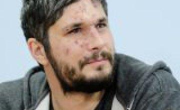Медики Днепра сохранили зрение британскому фотографу, раненому в Авдеевке
