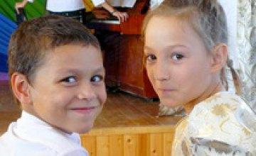 Днепропетровские волонтеры фонда «Сердце к сердцу» начали сбор денег на приобретение офтальмологического оборудования для детско