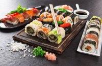 В Киеве 16 человек отравилось суши