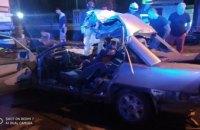Не справился с управлением и влетел под грузовик: в Днепре двое мужчин погибли в жутком ДТП (ФОТО)