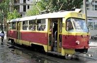 В Днепропетровске очередной трамвай сошел с рельс