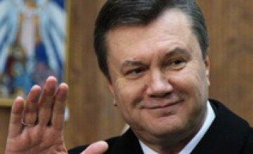 Виктор Янукович поздравил иудеев с праздником Хануки