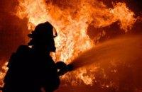В Киеве горел шиномонтаж