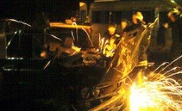В Хмельницкой области в результате ночного столкновения маршрутки и легковушки погибли 3 человека