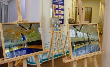 В холле Днепровского городского совета открыли выставку, посвященную развитию баскетбола в городе