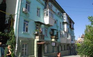 Чистий Дніпро: як у місті прибирають придорожні зони та двори
