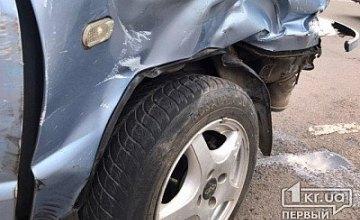 На Днепропетровщине столкнулись две Daewoo Lanos: есть пострадавшие