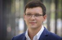 Отток людей из Украины – чрезвычайно выгодный и полезный для власти процесс, - мнение