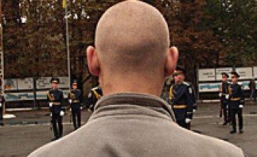 Облвоенкомат начал отправку призывников в воинские части (ФОТОРЕПОРТАЖ)