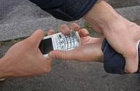 В Днепропетровской области полиция задержала грабителей, отбиравших у граждан мобильные телефоны