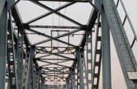 В Днепропетровской области на железнодорожном мосту погиб подросток