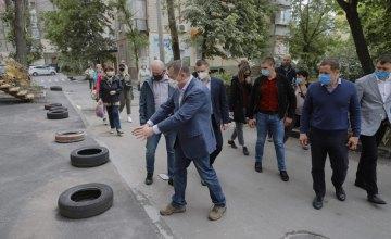 Ремонты и сопутствующее благоустройство: Борис Филатов рассказал о новом формате реконструкции дворов в Днепре