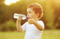 Как облегчить состояние ребенка в жаркие дни и не навредить новорожденному