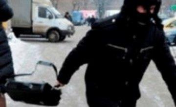 В Кривом Роге разыскиваемый за кражу мужчина попался на грабеже