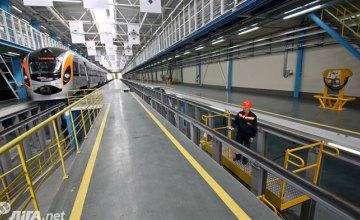 «Укрзалізниця» запустила второй поезд-трансформер
