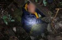 В Днепре водитель протаранил мусорник, бросил на улице авто и прятался от полиции