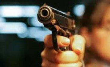В Днепре на пр. Богдана Хмельницкого мужчина устроил стрельбу