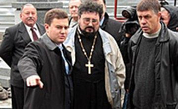 8 октября Виктор Бондарь ознакомился с ходом строительных работ храма на Мандрыковской (ФОТОРЕПОРТАЖ)