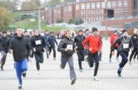Более  400  спортсменов пробежали «Днепровскую милю» (ФОТО)