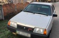 В Кривом Роге двое неизвестных угнали авто и устроили погоню с полицией