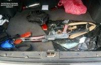Днепре патрульные нашли автомат в багажнике автомобиля (ФОТО)