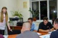 Занятия по английскому языку начала новая группа АТОшников – Валентин Резниченко