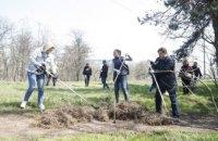 #Дніпро_квітучий: у сквері Металургів продовжили упорядковувати територію