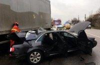 В Днепре Audi влетела в грузовик: пострадали пассажиры легковушки (ВИДЕО)