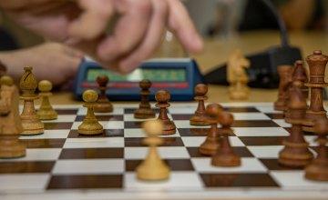 В ДнепрОГА военные и их родные соревновались за победу в шахматном турнире