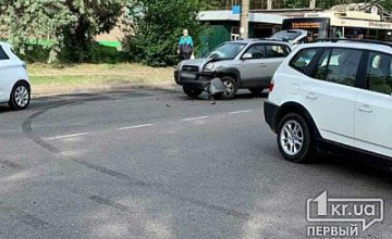 В Кривом Роге столкнулись Hyundai и BMW: устанавливаются обстоятельства ДТП