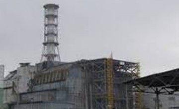 На Чернобыльской АЭС устанавливают западную часть арки