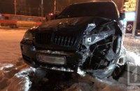 На Днепропетровщине девушка за рулем внедорожника BMW снесла электроопору (ФОТО)