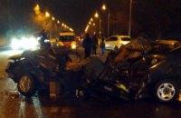 В Днепре столкнулись три авто: двое погибли, двое пострадали (ВИДЕО)
