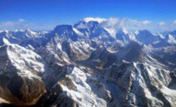 На Эвересте после схода лавины погибло шесть альпинистов