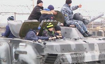 Школьники Днепра побывали на базе полицейского спецназа (ВИДЕО)