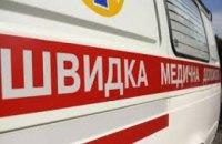 На Днепропетровщине «скорая» с роженицей в салоне застряла в снежном заносе – понадобилась помощь спасателей