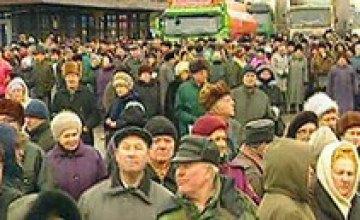 Украинцы считают, что местная власть защищает их лучше центральной
